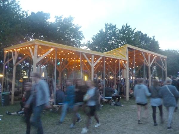 Roskilde 2014: Chillen in der Schaukel